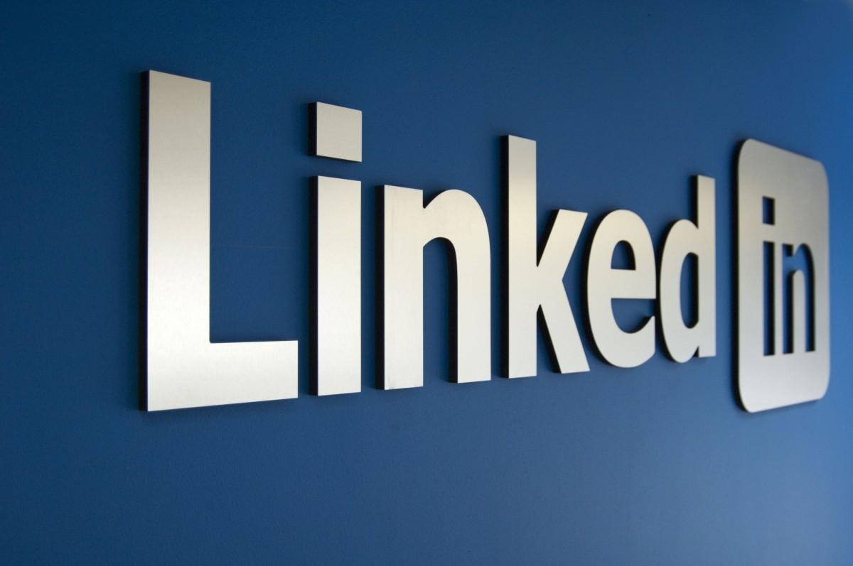 Bluedesk CRM nog actiever op LinkedIn